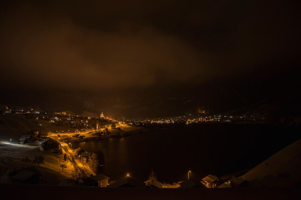 Lungern by night